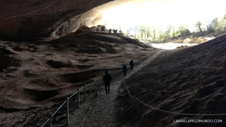 Cueva de milodón - chile