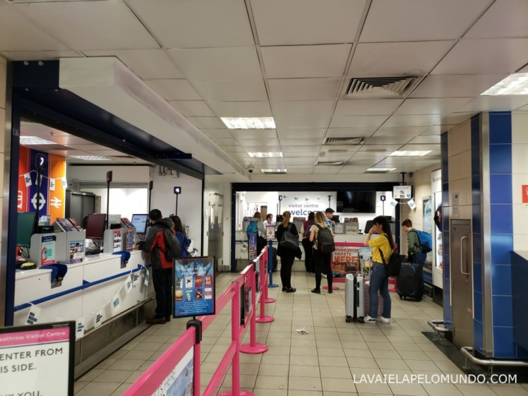 centro de informações no aeroporto de heathrow londres